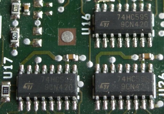 confezione da 25 pezzi BOJACK SN74HC595N Registri a scorrimento a 8 bit Registri di uscita a 3 stati Circuiti integrati DIP-16