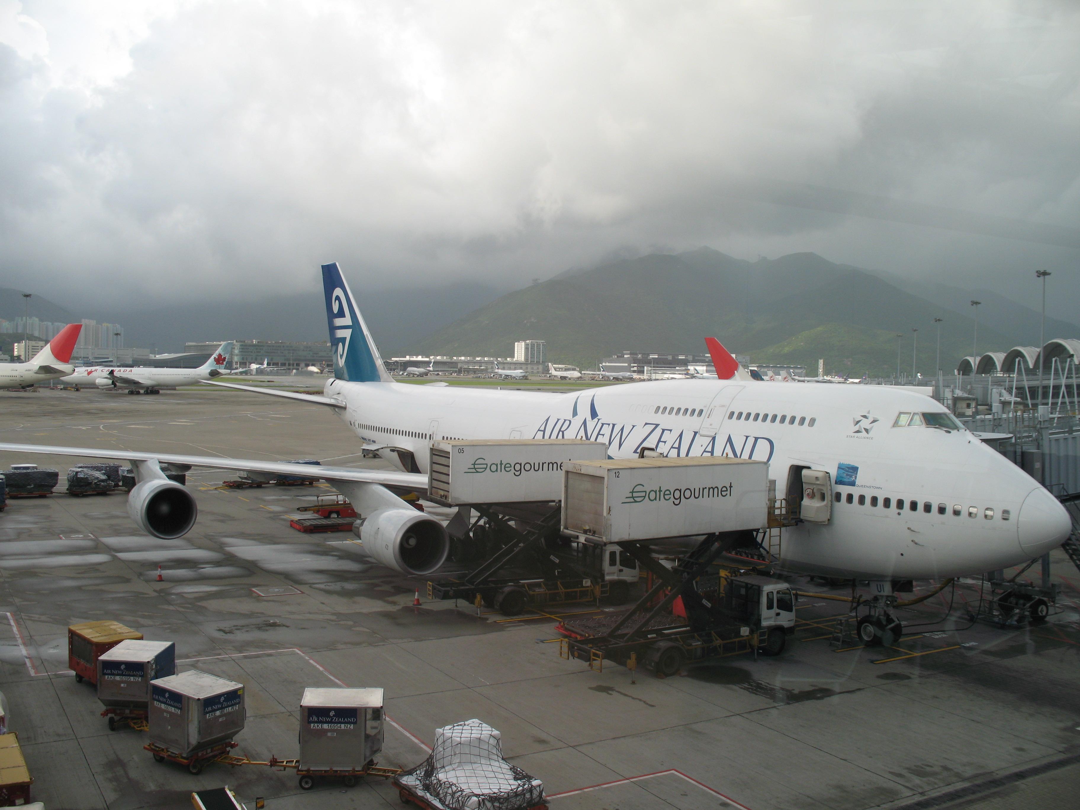 File Air New Zealand 747 400 At Hong Kong International Airport Jpg