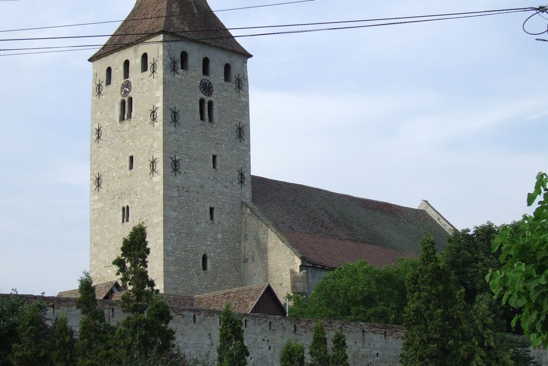 Fişier:Aiud reformat church.JPG