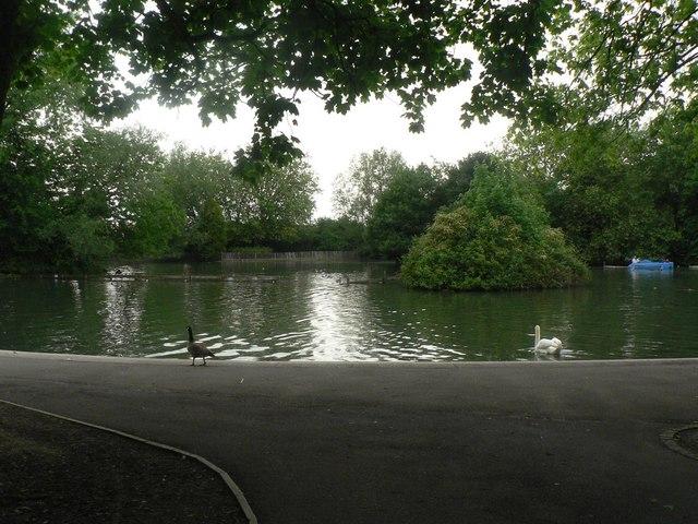 Alexandra Palace Park, the lake - geograph.org.uk - 823136