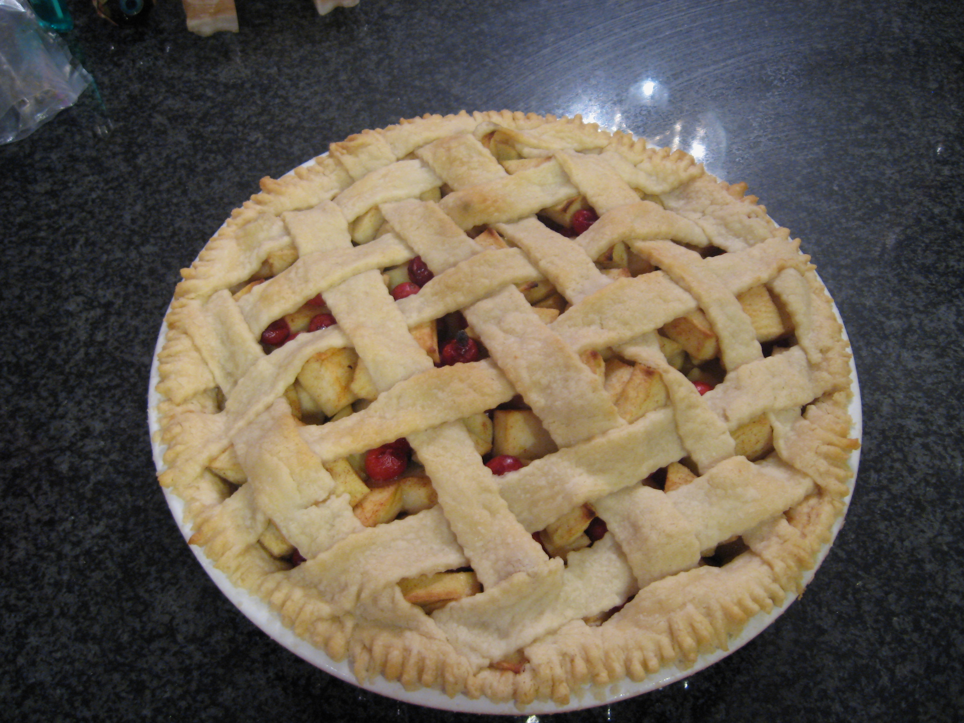 File:Apple-cranberry pie, October 2007.jpg - Wikimedia Commons