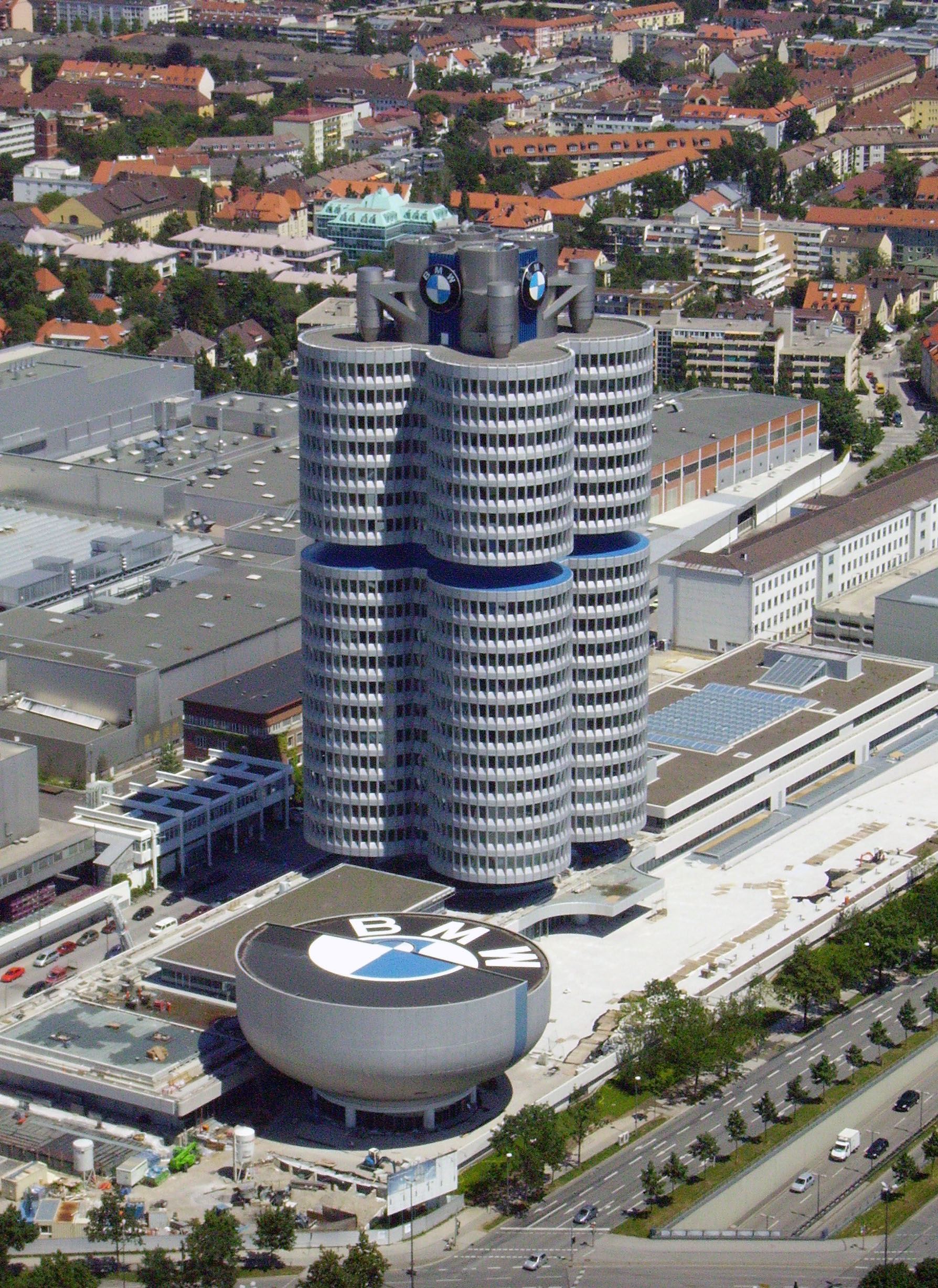 Description bmw gebäude