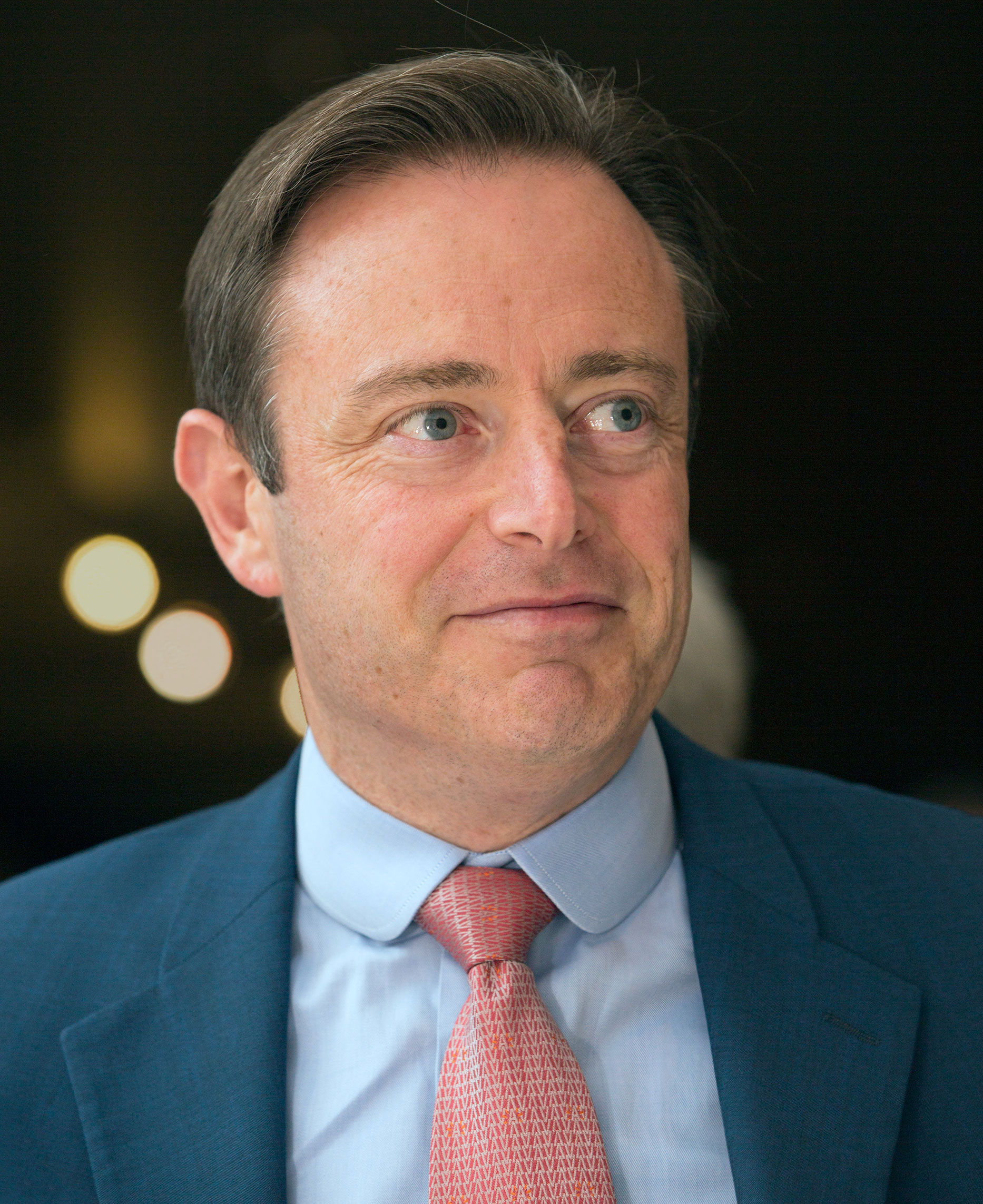 The 47-year old son of father Henri De Wever and mother(?) Bart de Wever in 2018 photo. Bart de Wever earned a 0.007 million dollar salary - leaving the net worth at 0.03 million in 2018