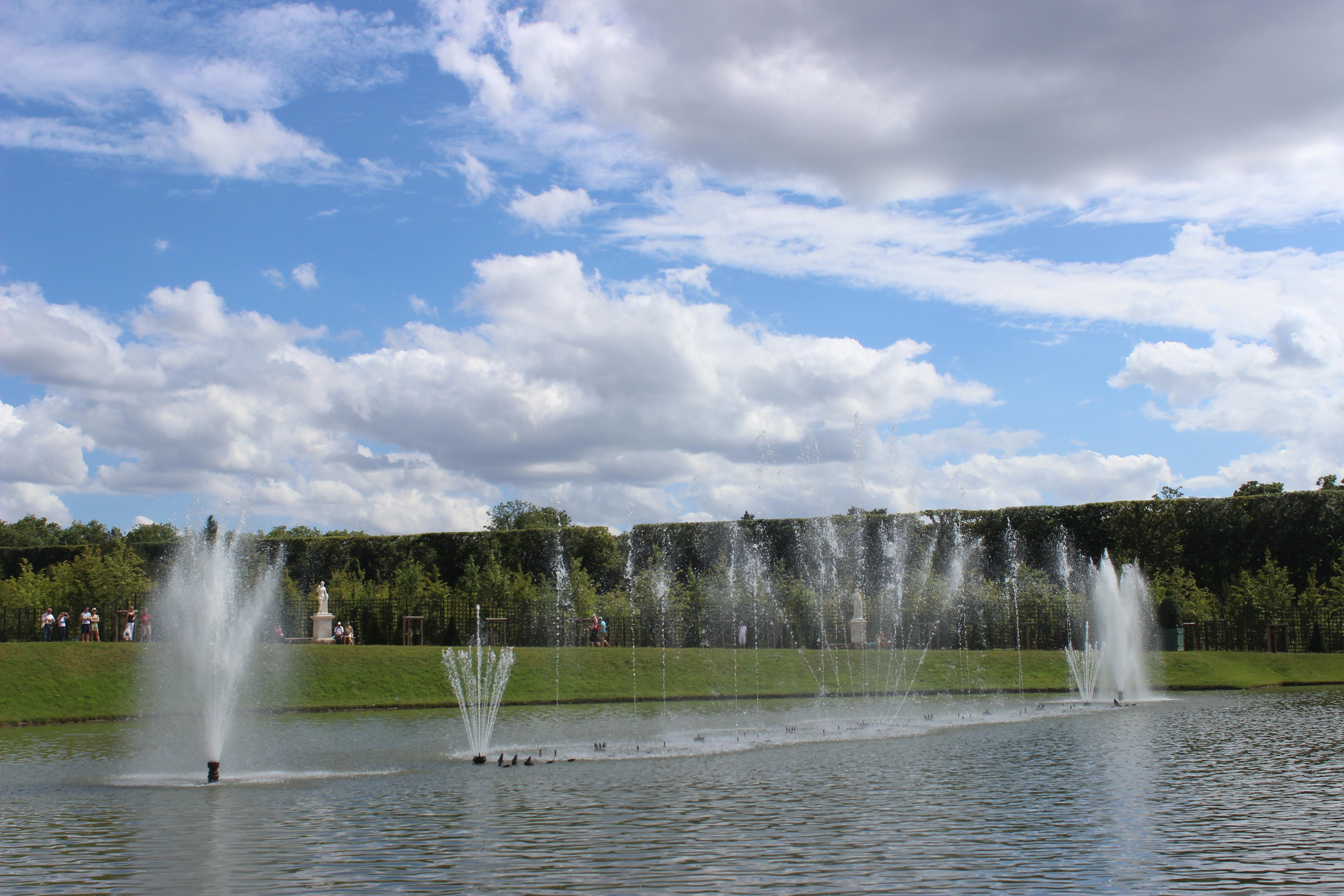 File bassin du miroir 2013 24 jpg wikimedia commons - Bassin effet miroir toulon ...