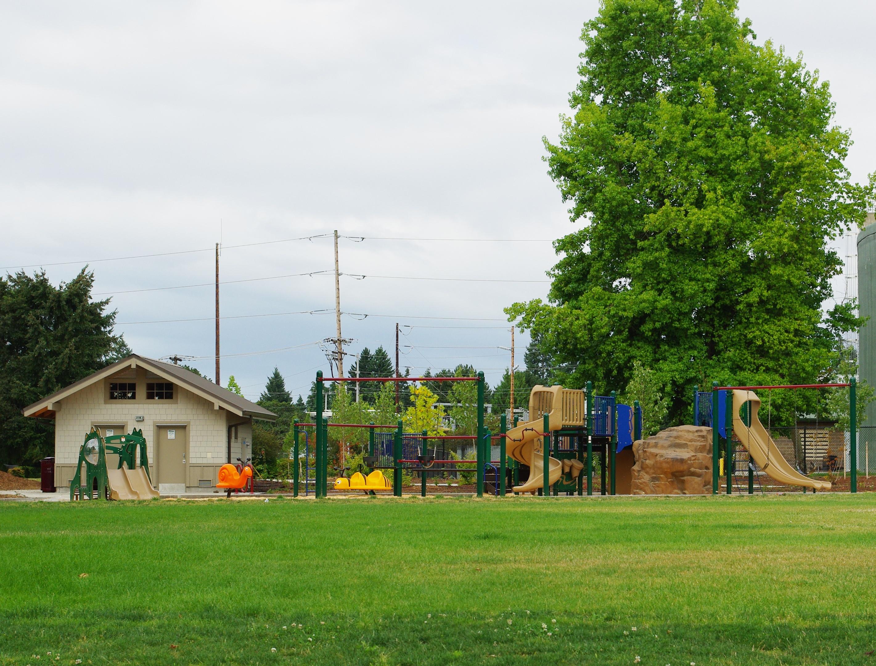 FileBicentennial Park Playground