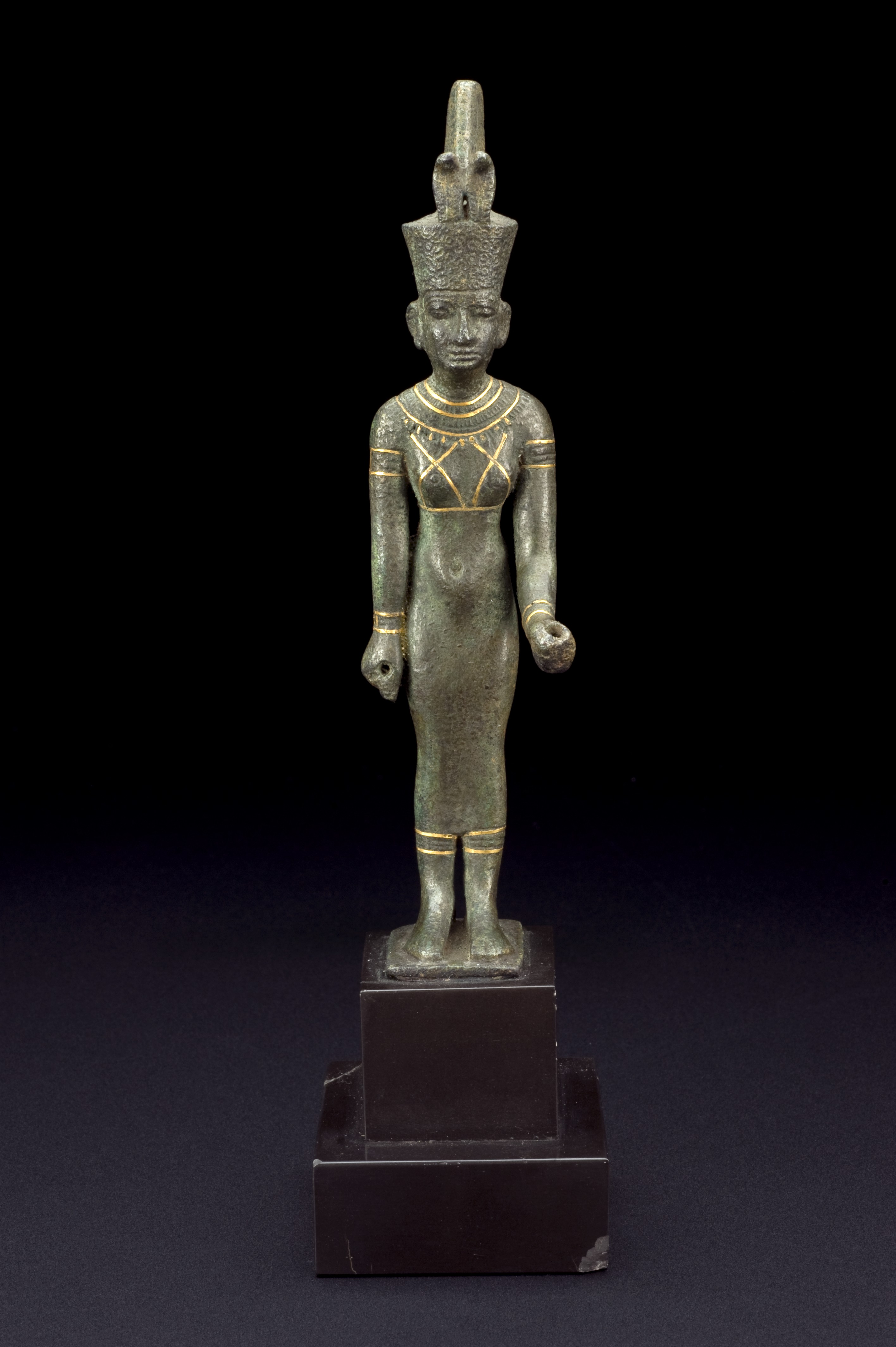 File:Bronze statue of Neith, Egypt, 200 BCE-400 CE ...