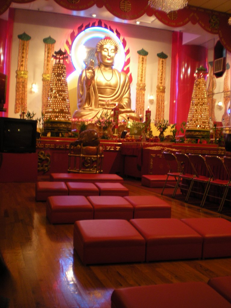 Buddhist Temple, Chinatown.jpg
