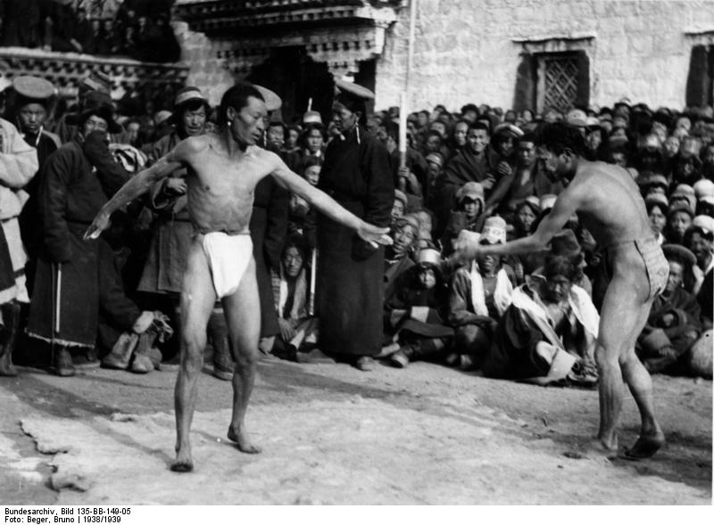 Zwei Ringer im Tibet.
