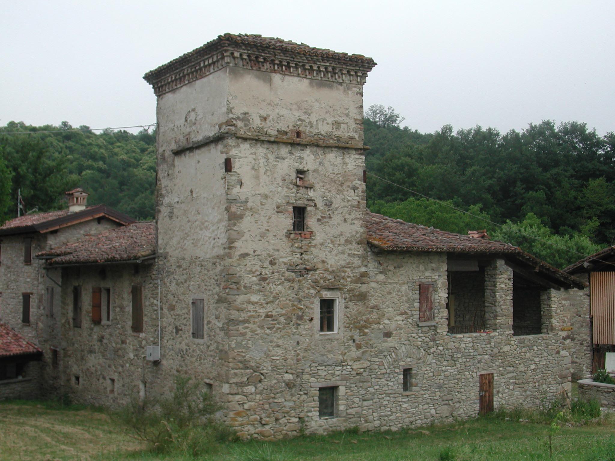 File carpineti casa torre wikimedia commons for Piani di casa castello medievale