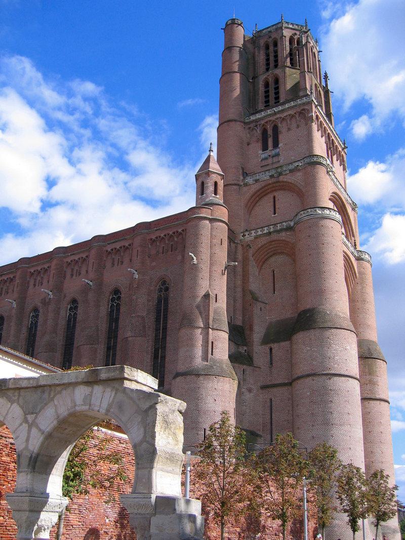 Cathédrale Ste-Cécile.jpg