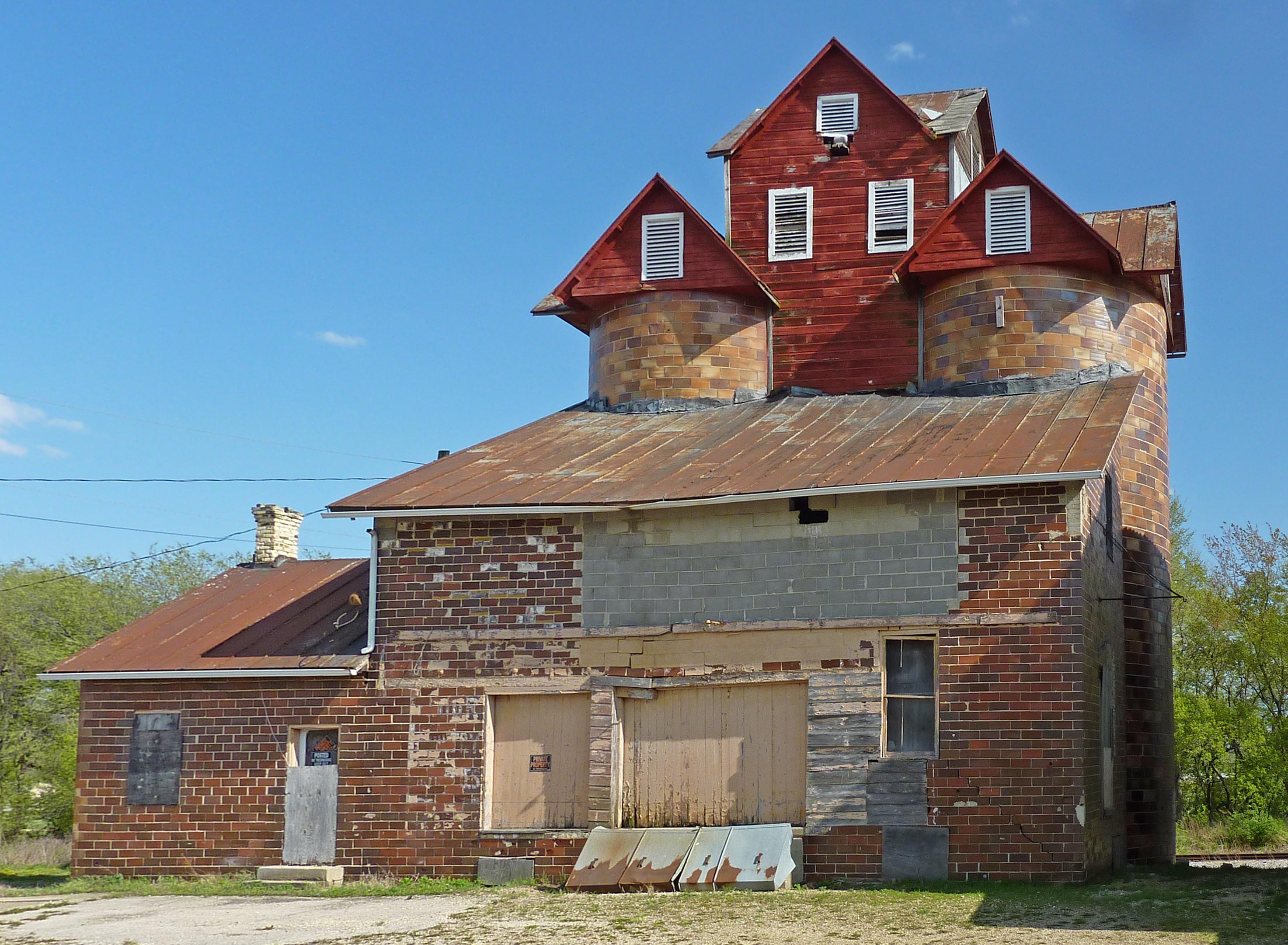 Sun Prairie (WI) United States  city photo : Chase Grain Elevator Sun Prairie, Wisconsin Wikimedia ...