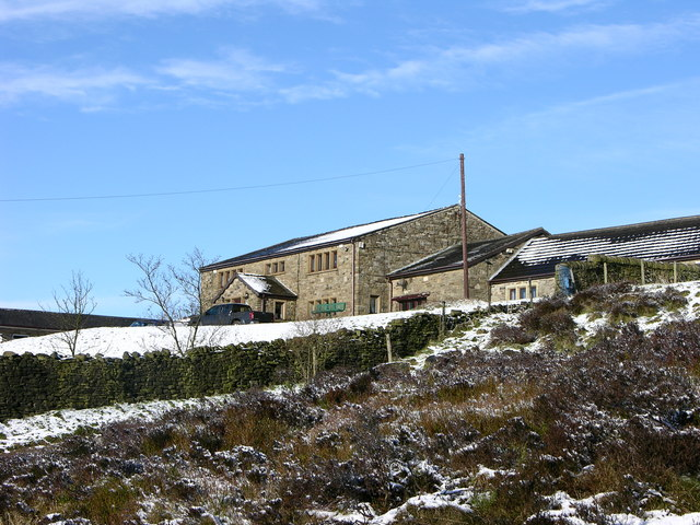 Cottage at the top of Holcombe Hill - geograph.org.uk - 371079