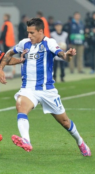 Tello Playing For Porto In 2014