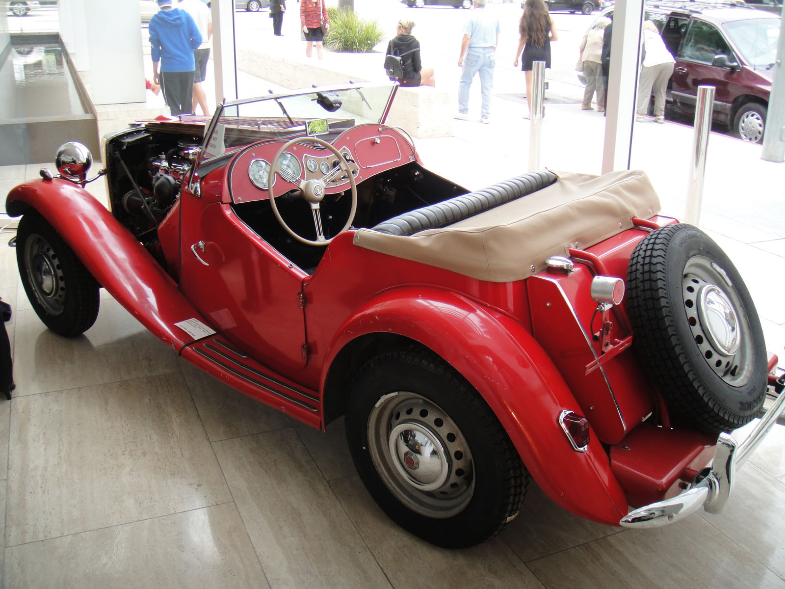 Car Search Usa >> File:Debbie Reynolds Auction - 012 - 1952 red MG TD used ...