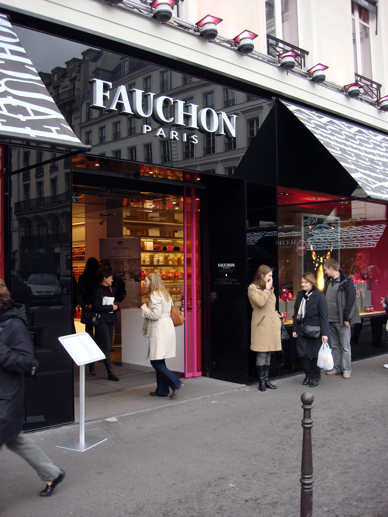 file flickr scalleja fauchon place de la madeleine paris wikimedia commons. Black Bedroom Furniture Sets. Home Design Ideas