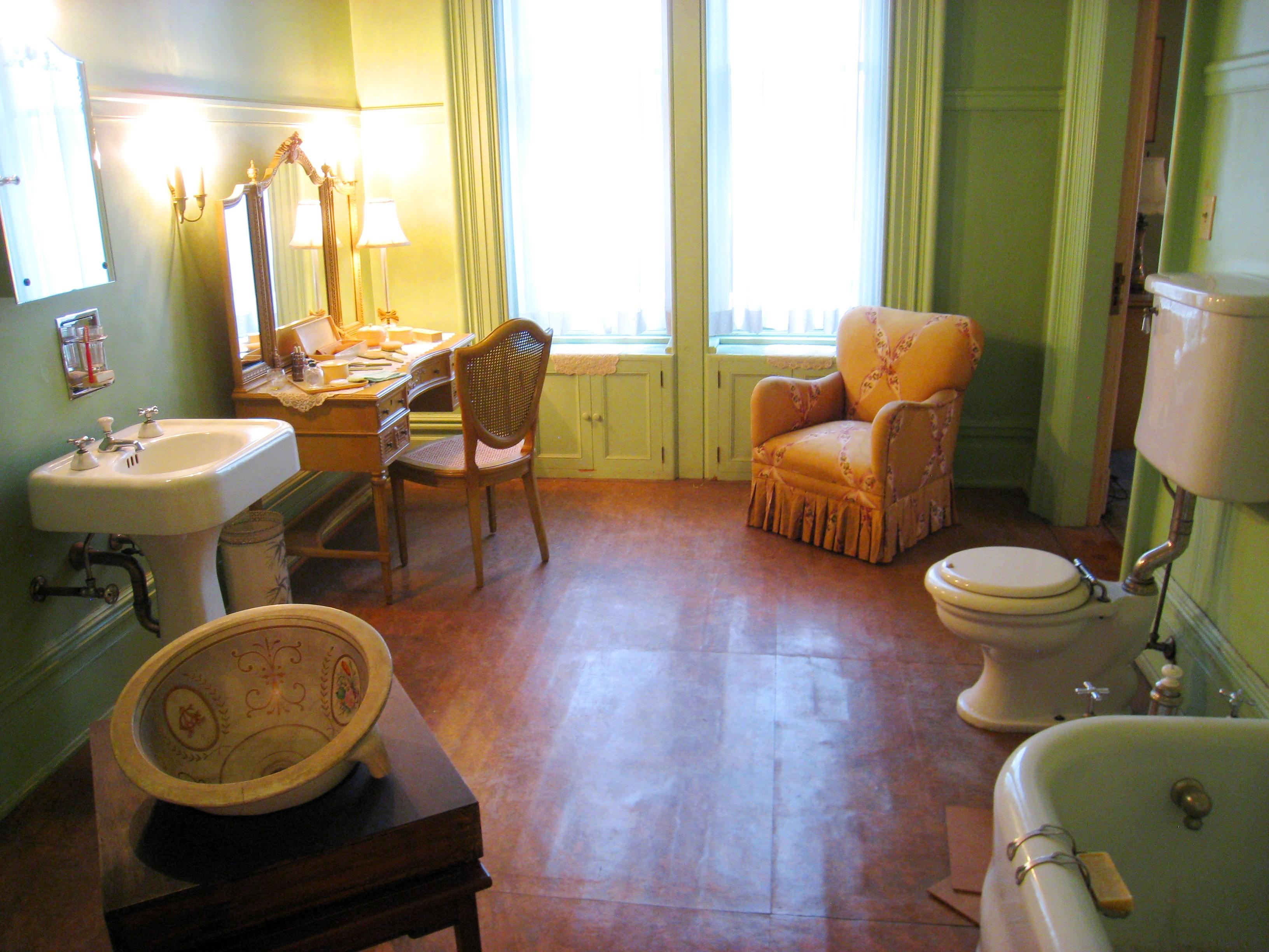 File governor 39 s mansion state historic park bathroom jpg for File f bathroom
