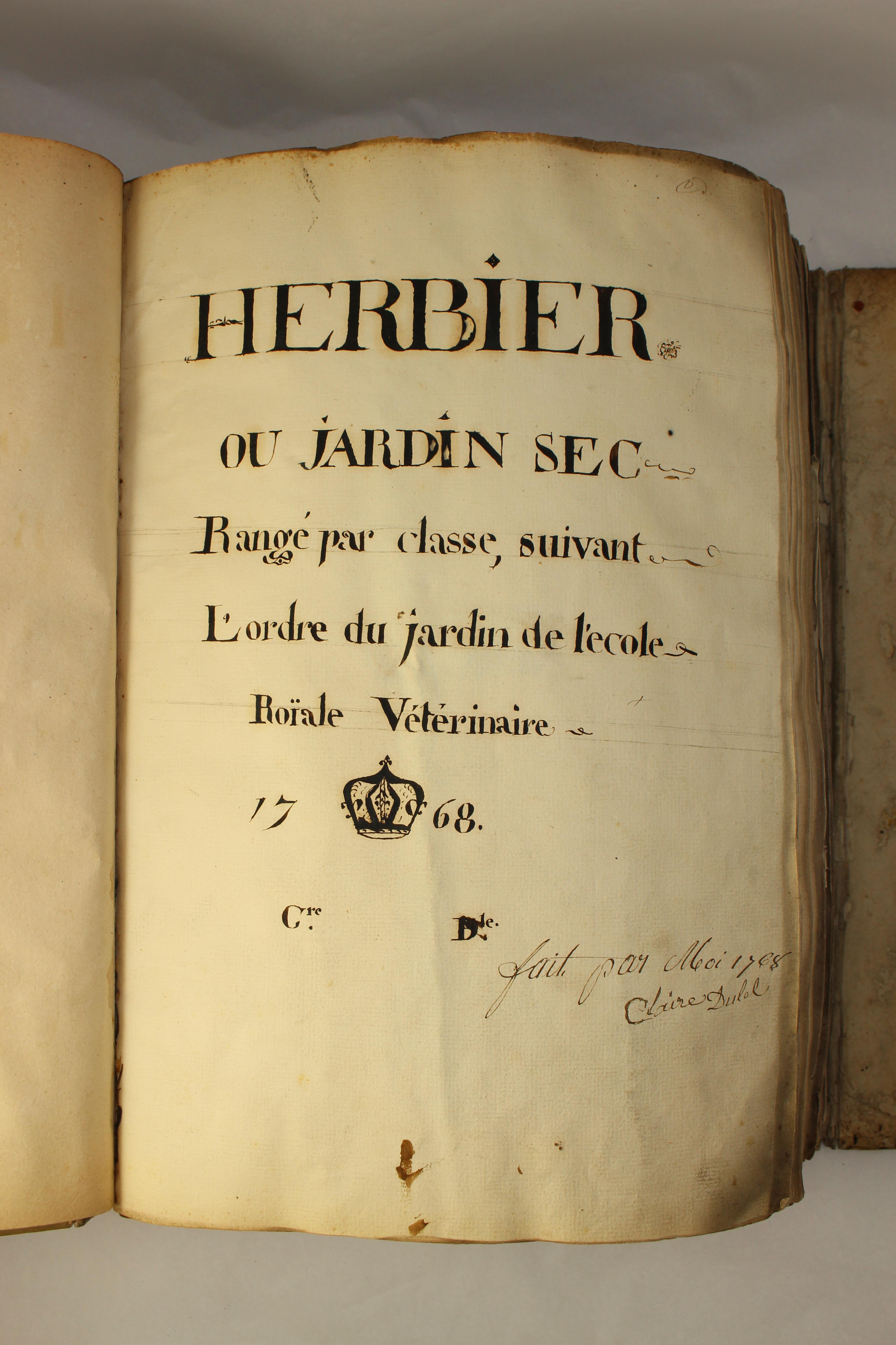 File Herbier Ou Jardin Sec Range Par Classe Suivant L Ordre Du