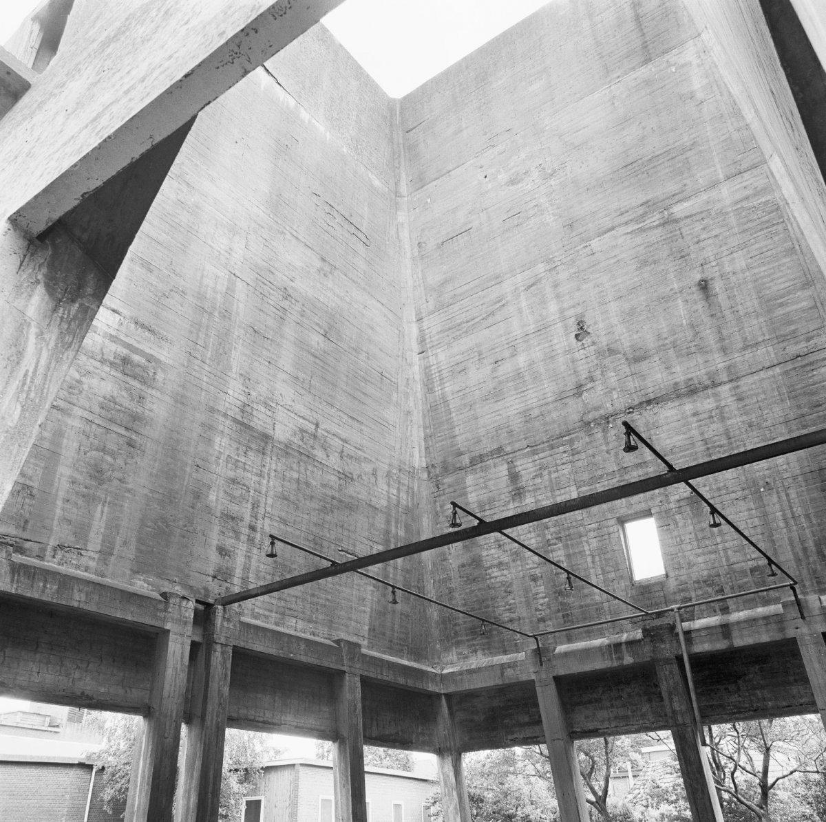 File interieur koeltoren beton rijssen 20273340 for Beton decoratif interieur