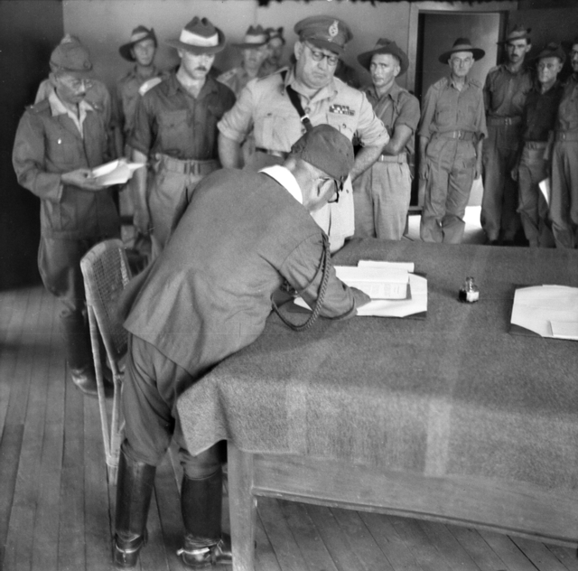 ... :President Truman announces Japan's surrender.jpg - Wikimedia Commons