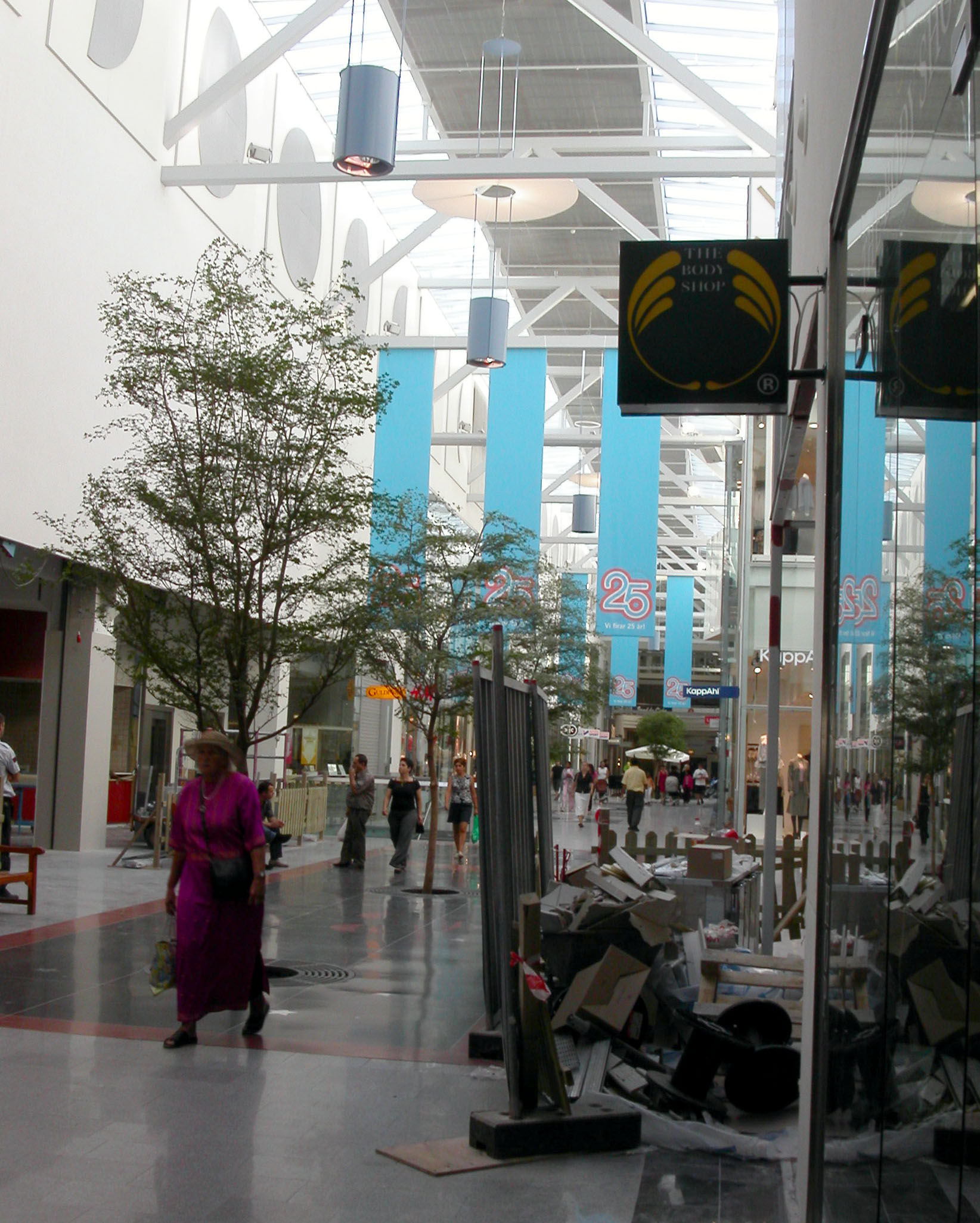 Ica Kista Galleria Öppettider Midsommar