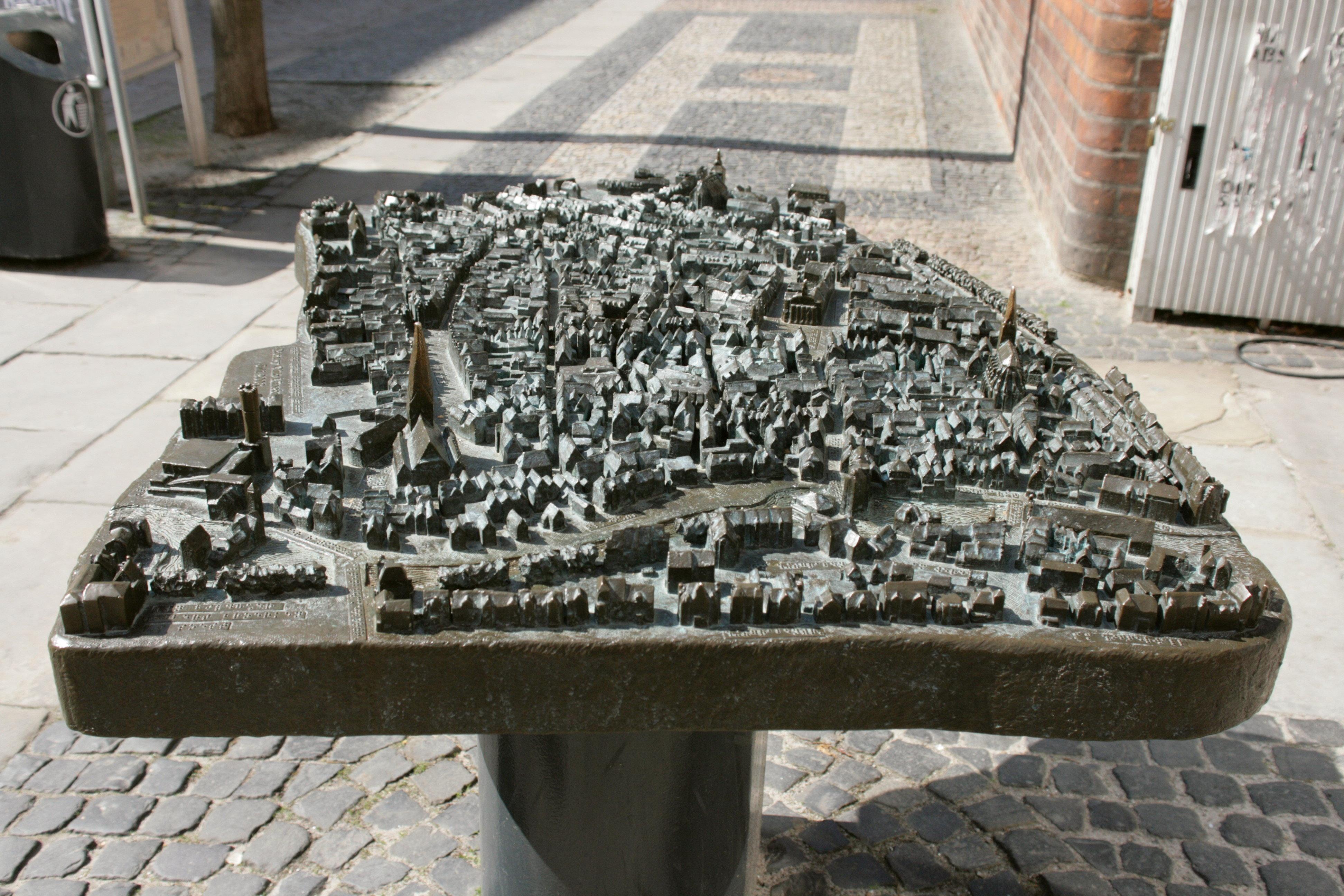 File Luneburg Am Markt Rathaus Stadtmodell 02 Ies Jpg