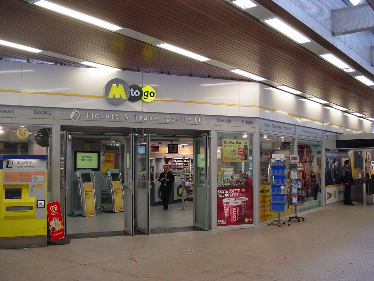 File Liverpool Central Railway Station M To Go Shop Jpg