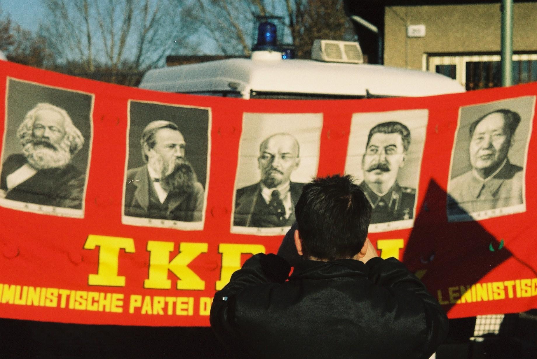 Bildergebnis für stalin Opfer Gedenken in  Berlin Friedrichshain
