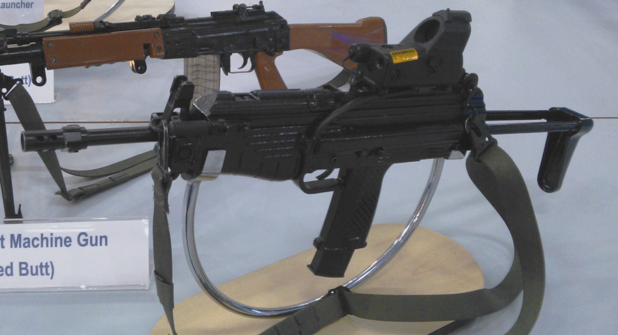 Modern Sub Machine Carbine - Wikipedia