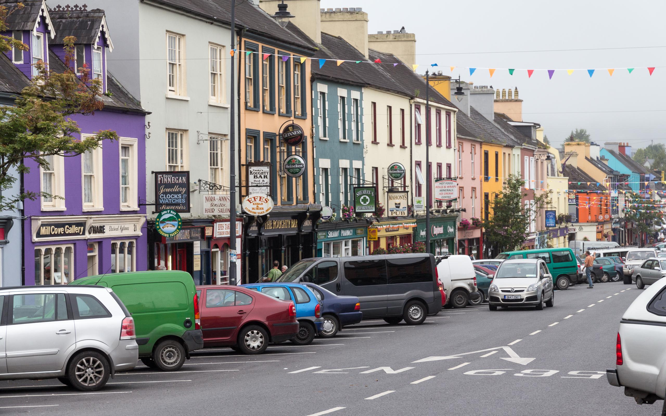 File:Main Street in Kenmare II.jpg - Wikimedia Commons