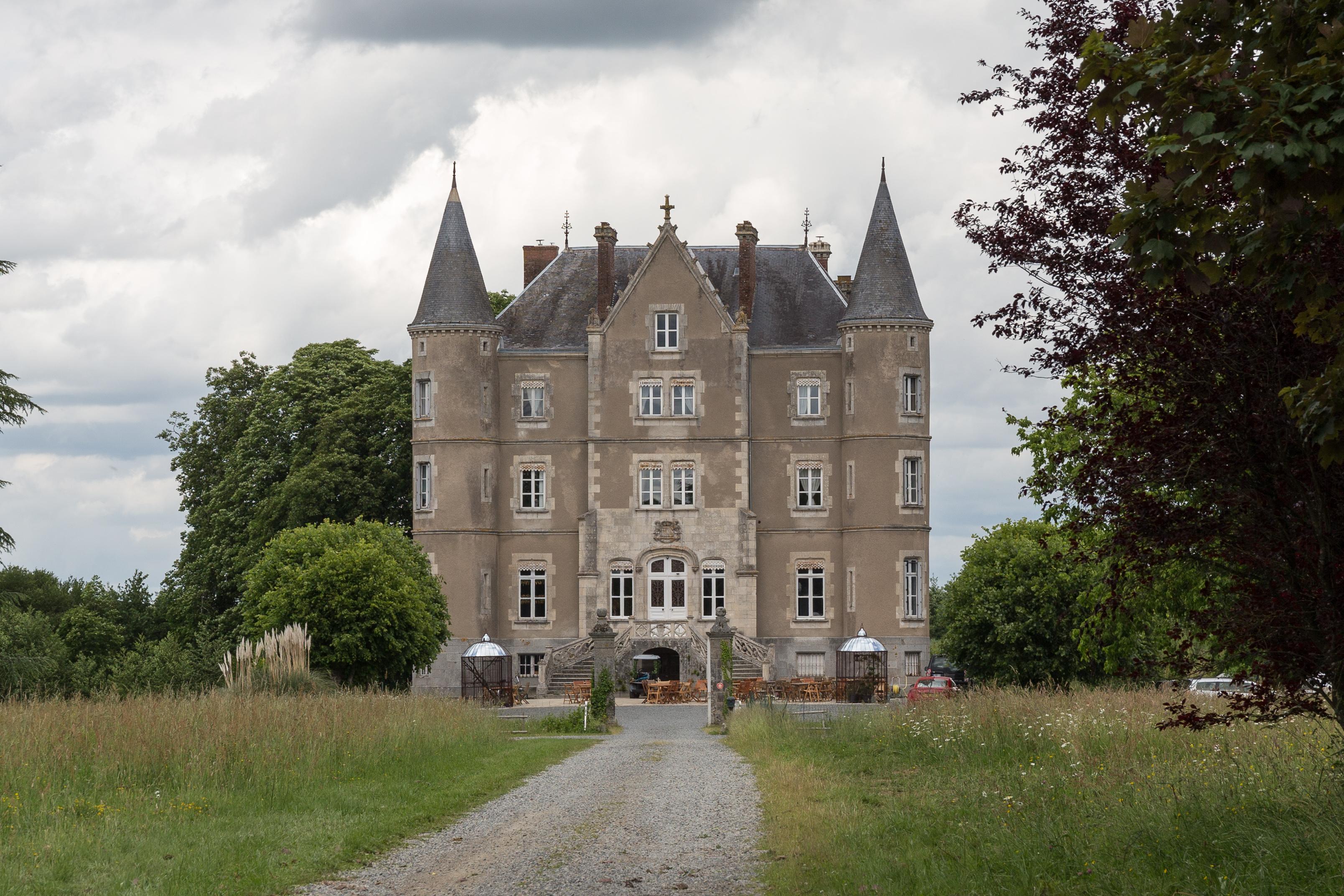 Escape To The Chateau Wikipedia