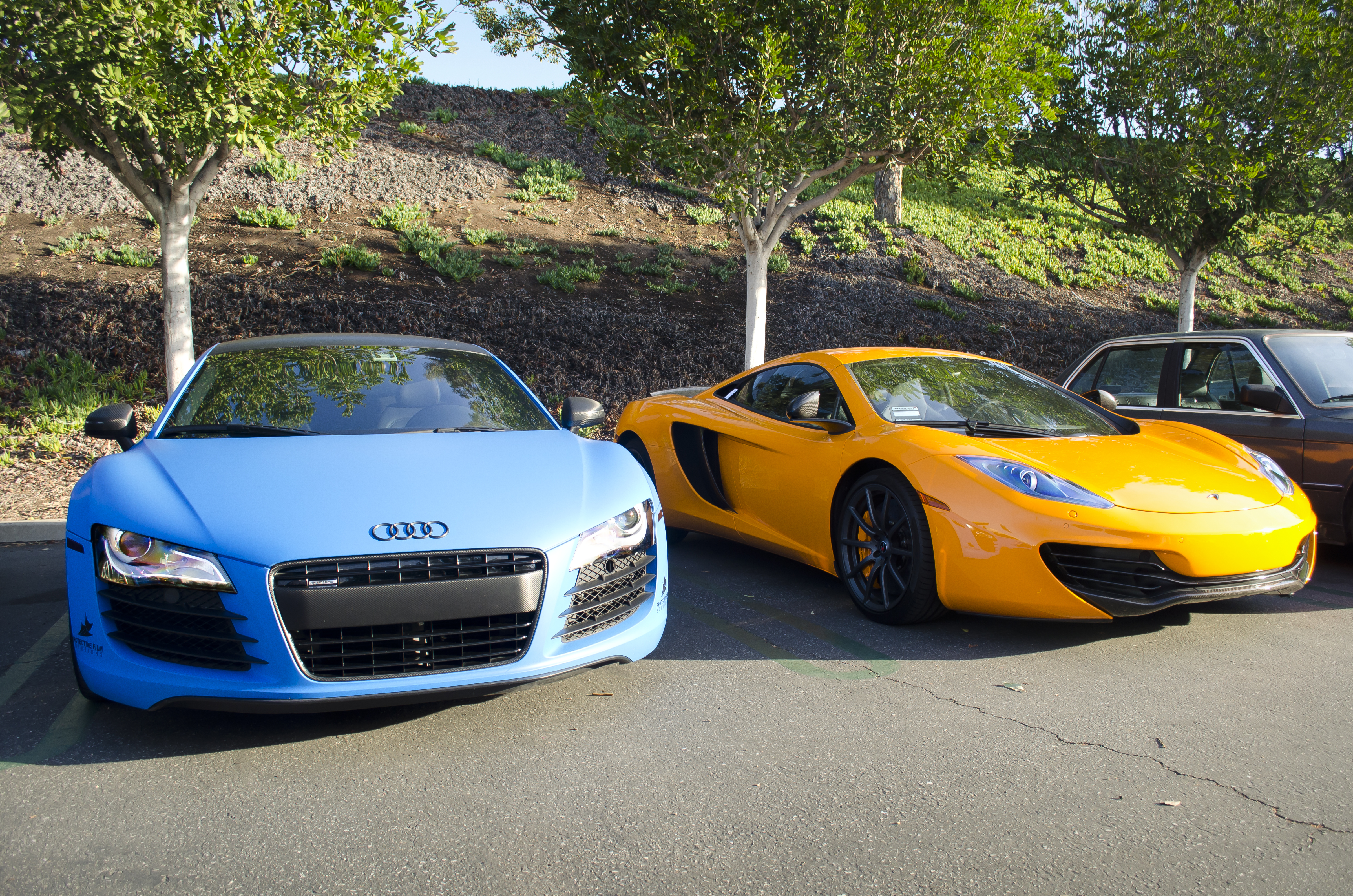 file:matte blue audi r8 and orange mclaren mp4-12c (8666058275)