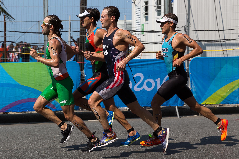file men s triathlon rio 2016 jpg wikimedia commons