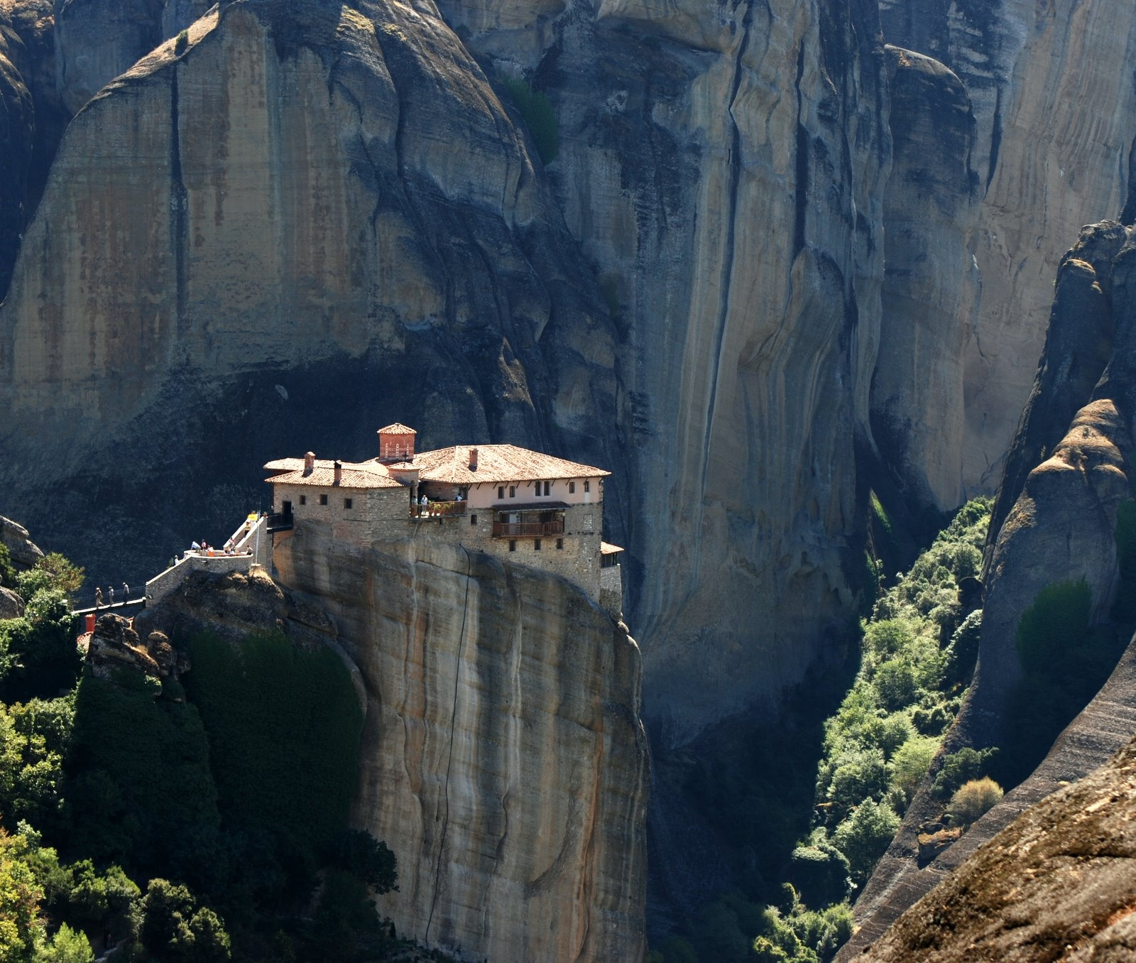 File moni roussanou meteora for Best mountain towns to live and work