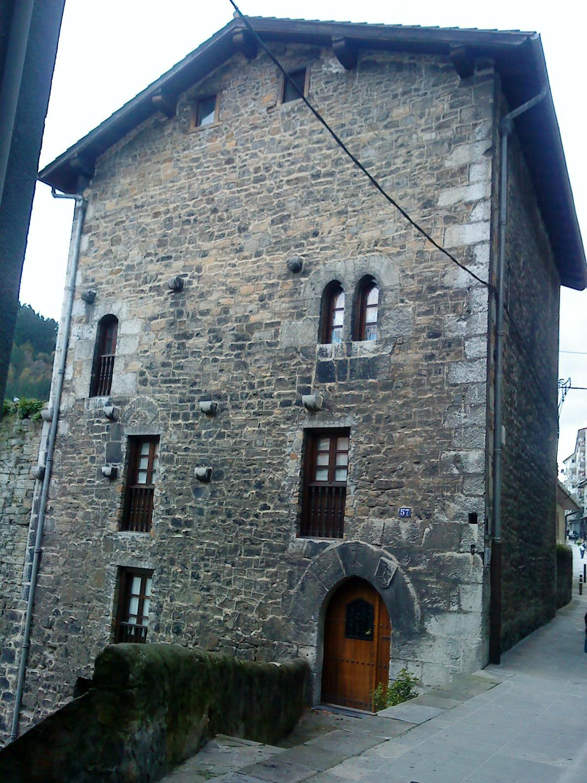 casa torre likona wikipedia la enciclopedia libre On torre de la casa de granito
