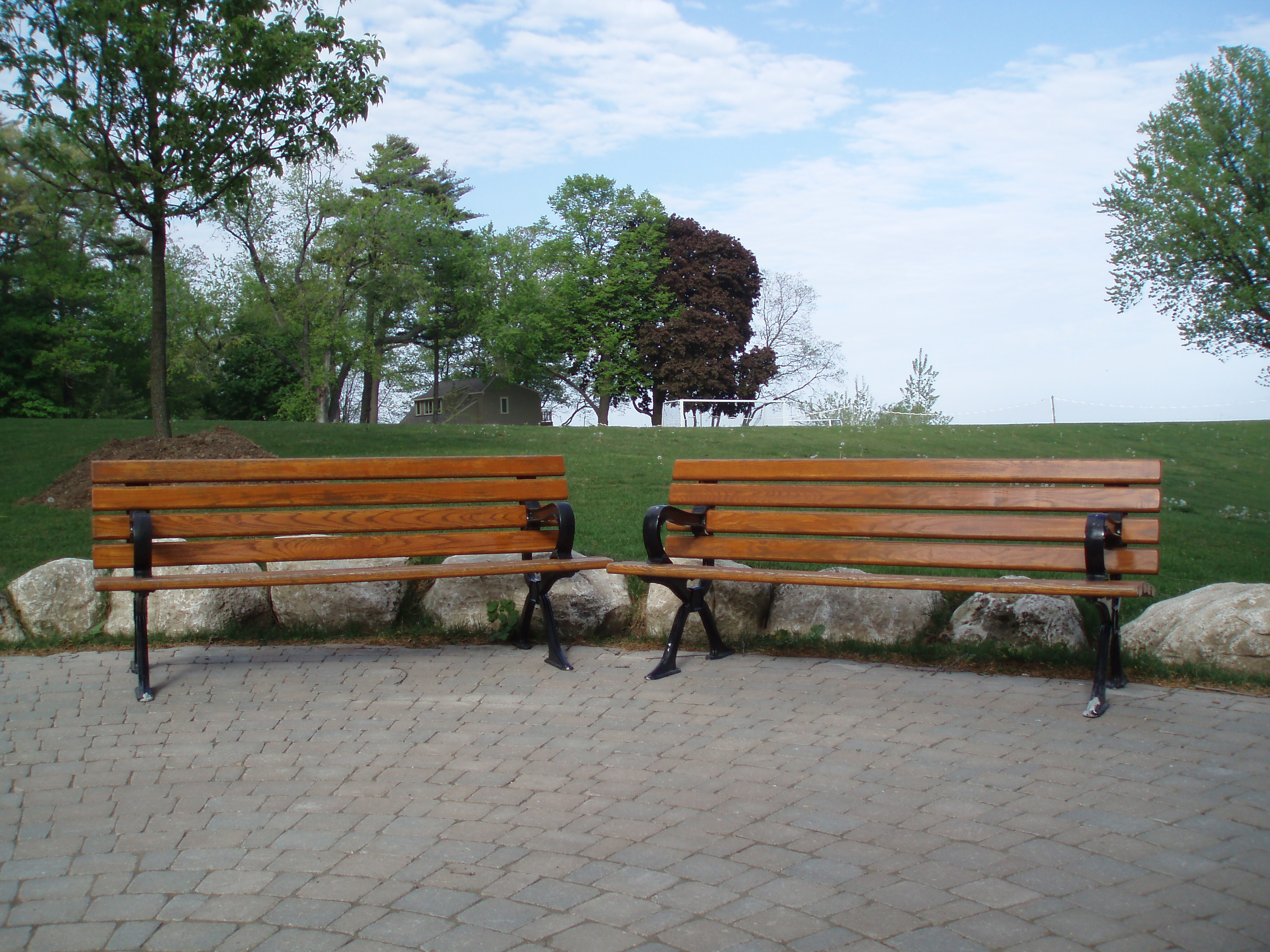 File:Outdoor benches on Appleby College campus (2009-05-22)