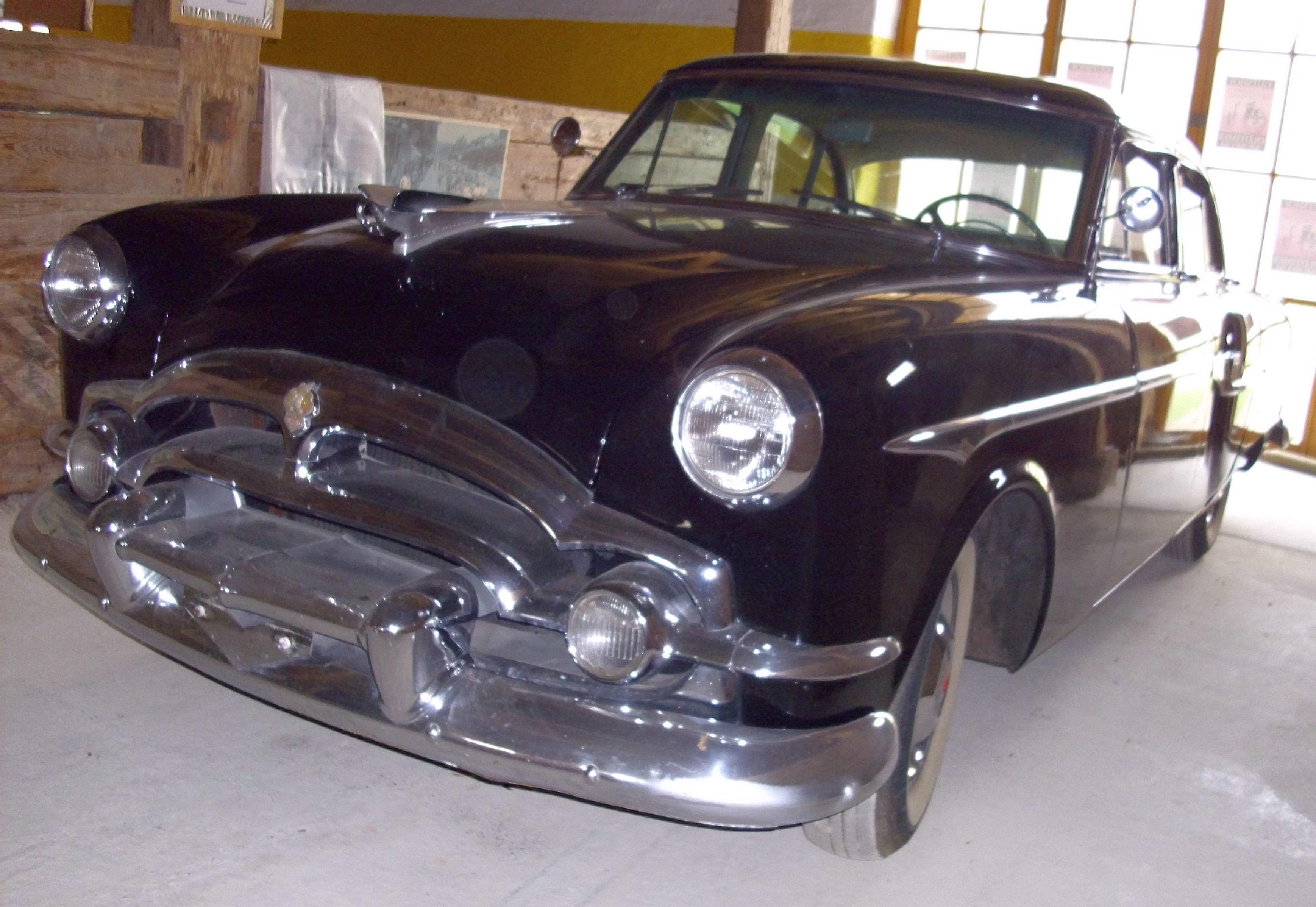 File:Packard Clipper Deluxe Touring Sedan Model 2662 1953.JPG