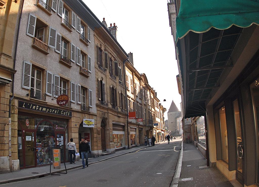 Panoramio - V&A Dudush - Rue de Lac.jpg