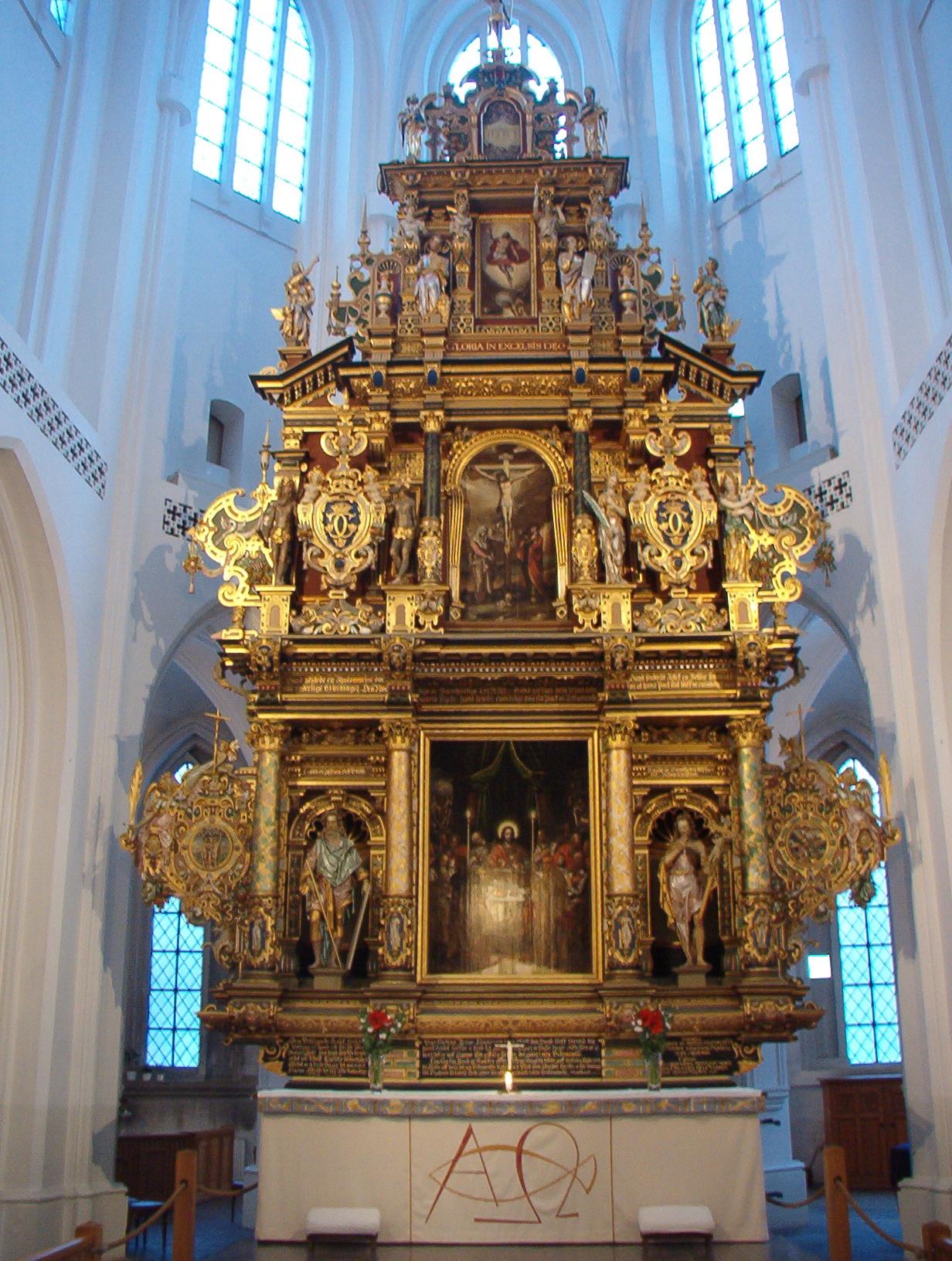 Fil:Sankt Petri kyrka, Malm, interior from entrance - Wikipedia