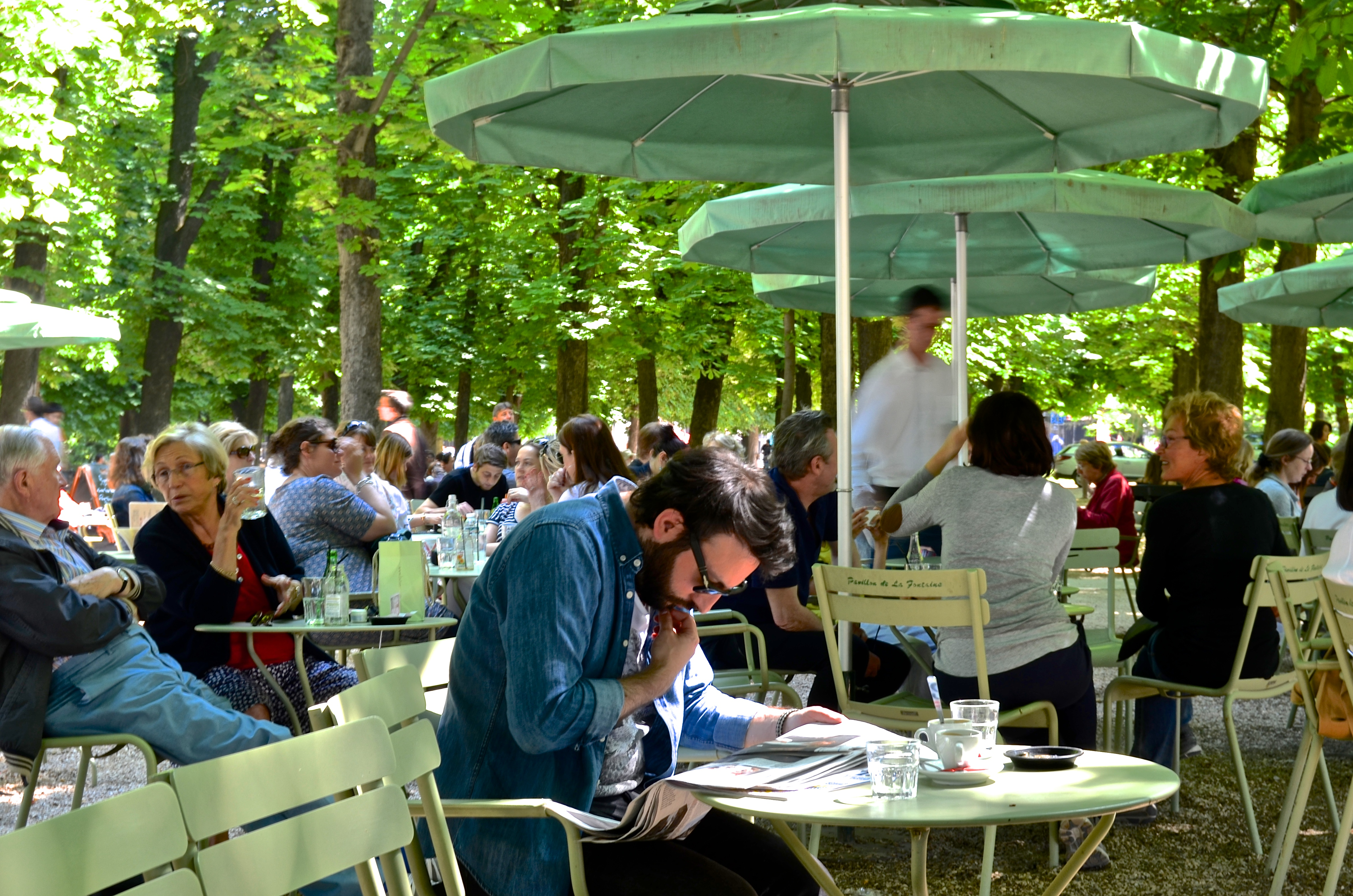 file saturday afternoon cafe jardin du luxembourg paris