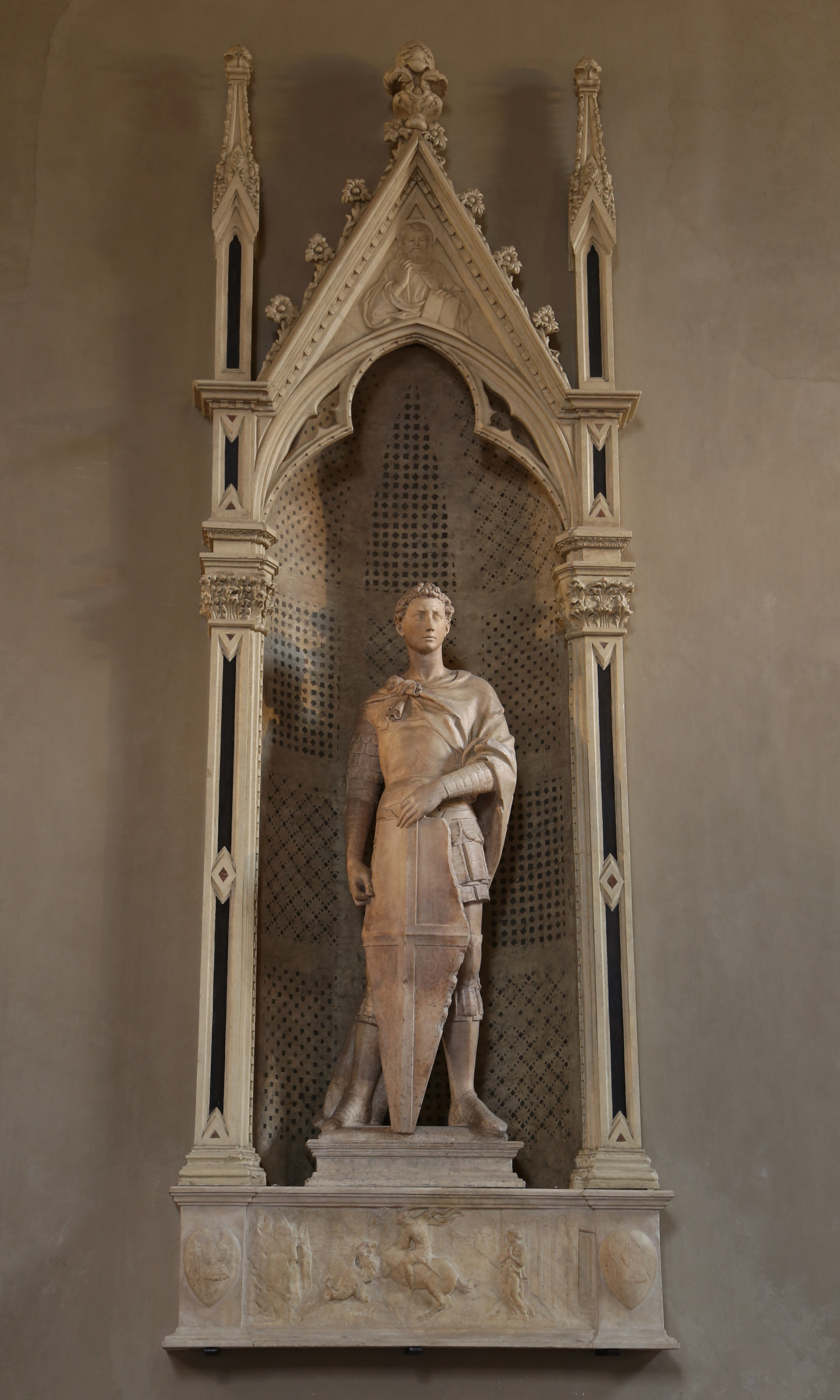 File:St. Georg, Donatello, 1416-17, Bargello Florenz-01 ...