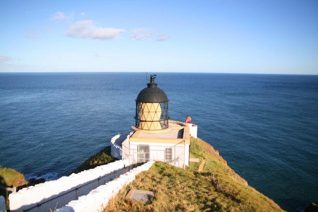 St Abbs Lighthouse - geograph.org.uk - 597093