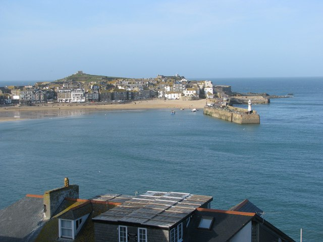 File:St Ives Harbour over the rooftops - geograph.org.uk - 1206991.jpg