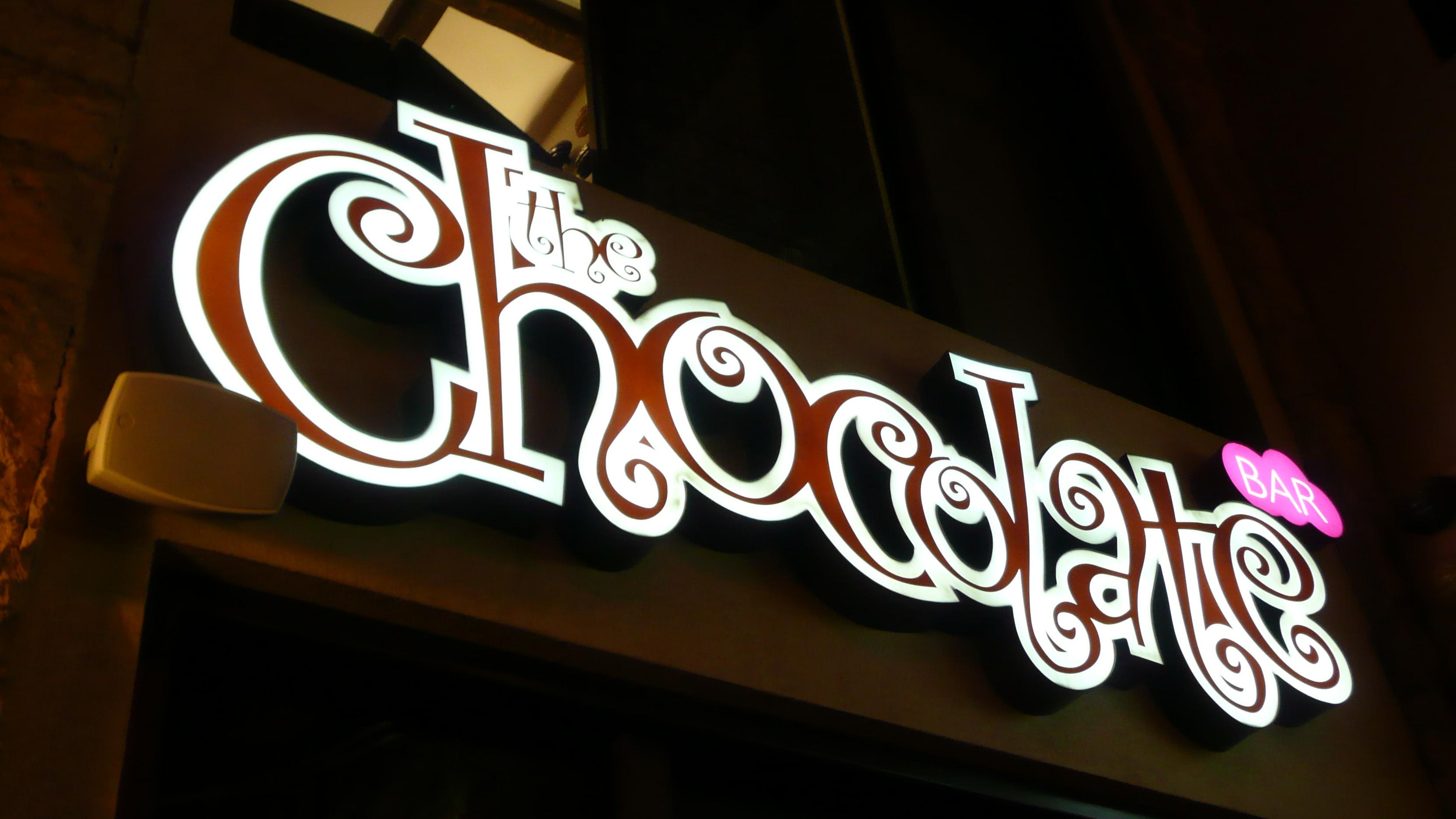 File:The Chocolate Bar - Yum!.jpg - Wikimedia Commons