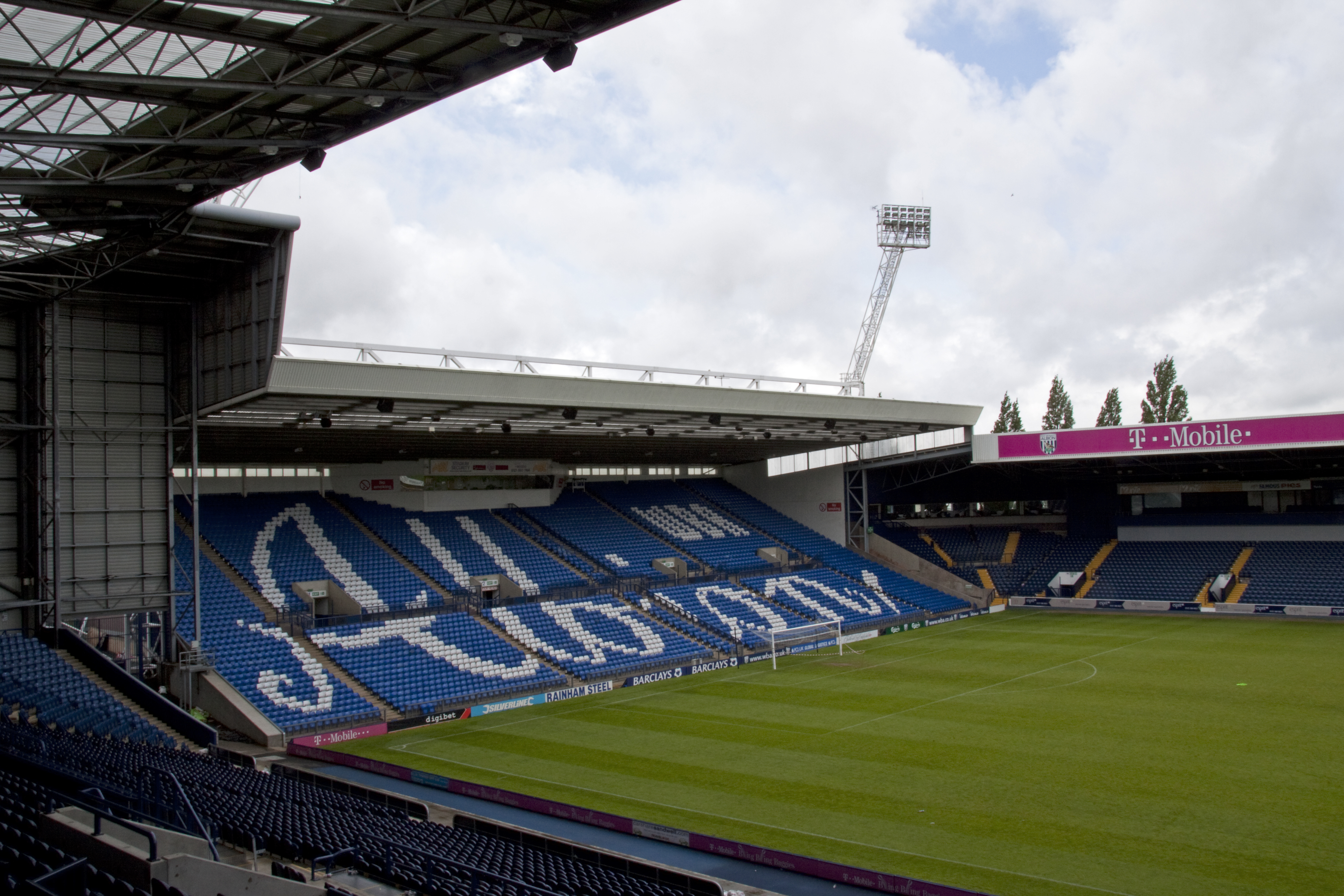 File:The Hawthorns stands.jpg - Wikimedia Commons