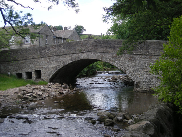 The bridge at Hardraw - geograph.org.uk - 857175