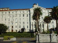 View of Old Main Building of Groote Schuur Hospital.jpg
