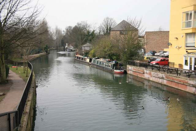 View of the River Lea - geograph.org.uk - 1760799