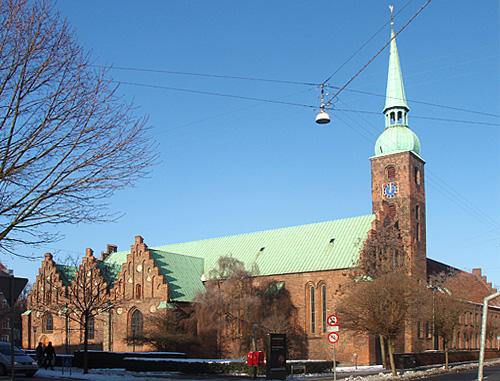 File:Vor Frue Kirke Århus.jpg
