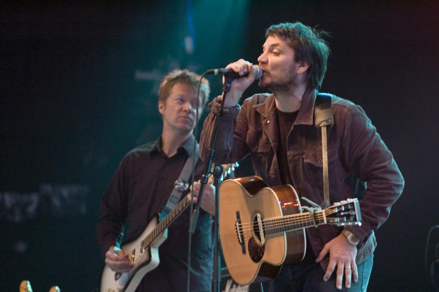 Wilco tocando en el Roskilde Festival de 2007.