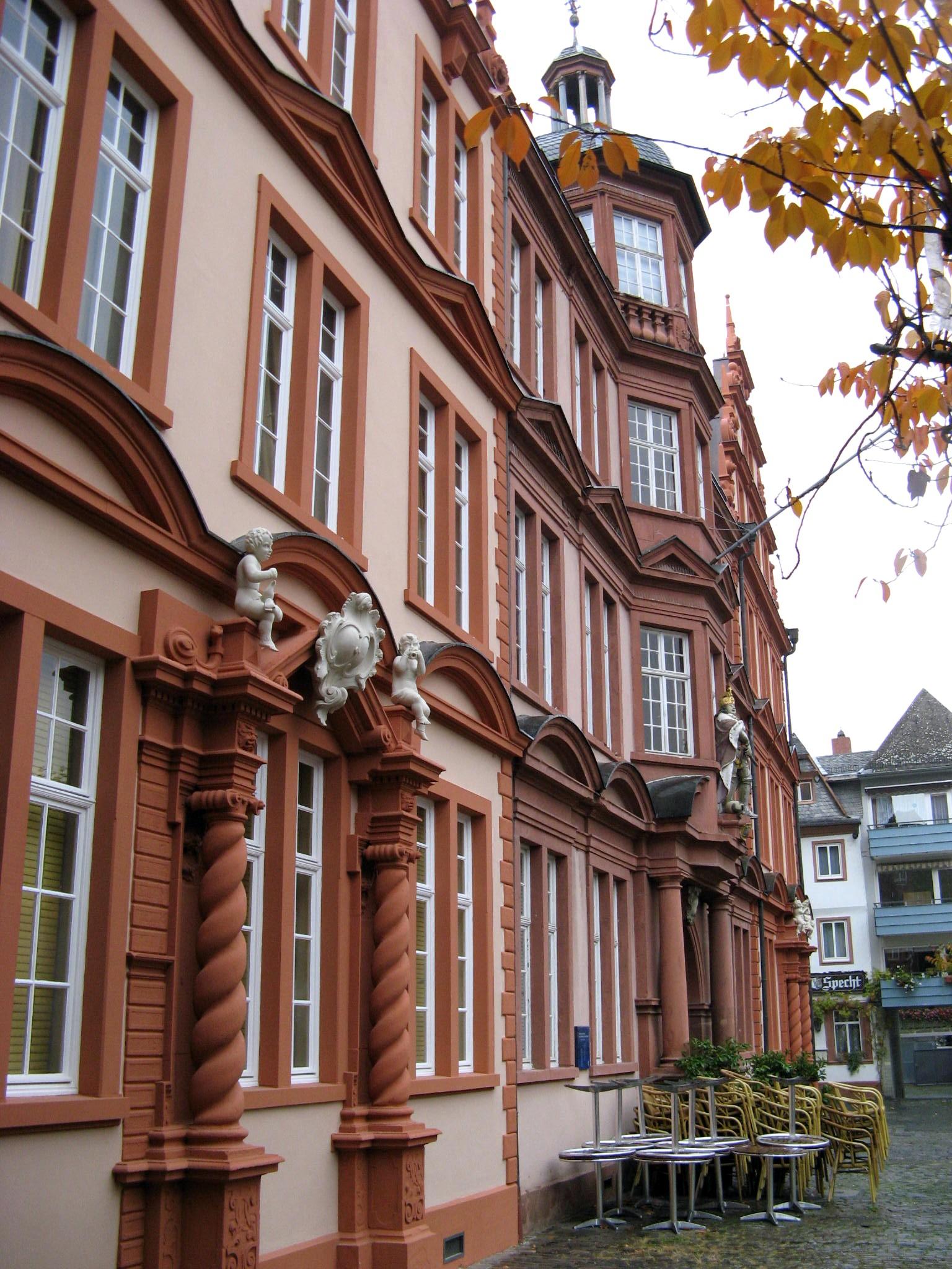 Older part of the Gutenberg Museum in the Zum Römischen Kaiser house, Mainz